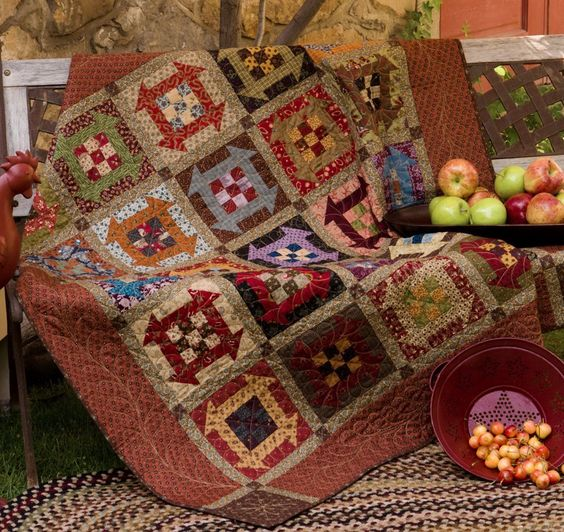 Amazon.com: Simple Comforts: 12 Cozy Lap Quilts (9781564778482): Kim Diehl…