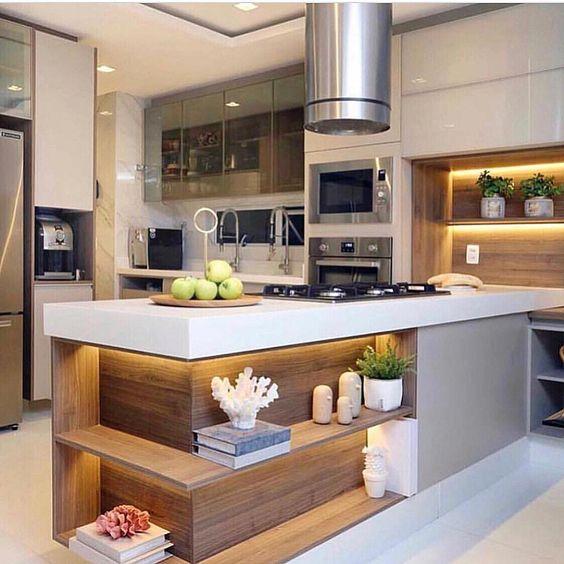 Nichos iluminados na cozinha! Quem tb ama essa ideia? 🙋🏼♀️ Projeto Viviane Ferreira