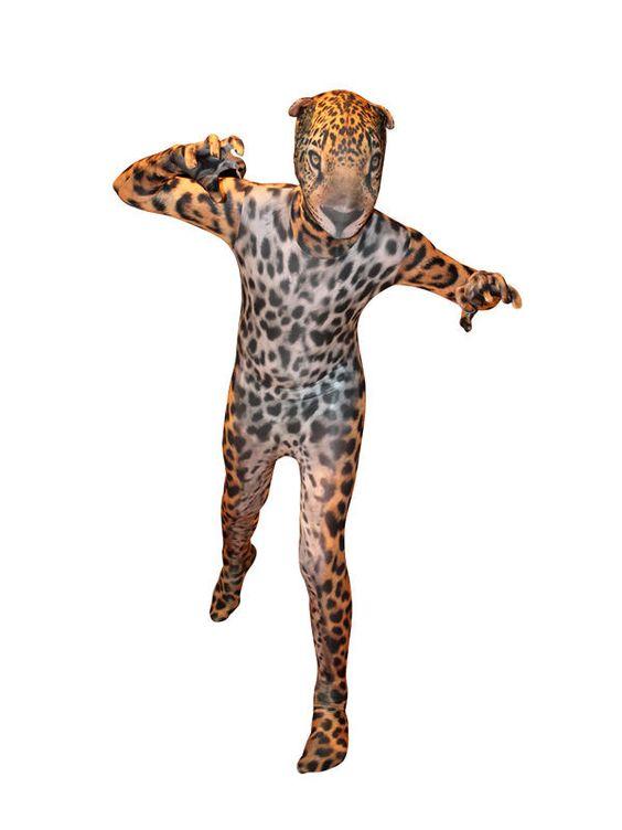 Jaguar Kinder Morphsuit braun-schwarz, aus unserer Kategorie Morphsuits. Dieser wilde Jaguar ist das gefährlichste Raubtier im Dschungel. Jedes andere Tier muss sich vor seinen scharfen Klauen und Fangzähnen in Acht nehmen. Ein tolles Kostüm für Fasching und Mottopartys.