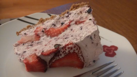 lowfat no bake #cheesecake with #strawberry, low fat cream cheese and ...