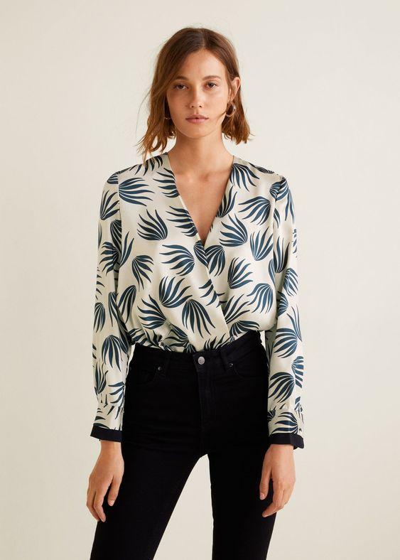 Принтованная блузка с запахом
