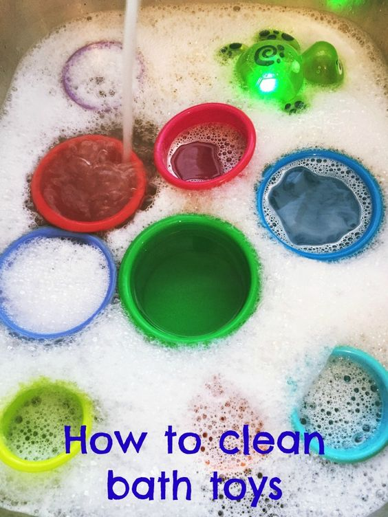 How to clean bath toys | Easy way to get all the black yucky gunk off bath toys and keep them clean! | Daisies & Pie