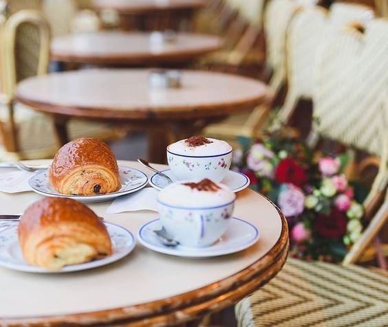 Hotels-live.com/pages/sejours-pas-chers - Tag who you'd have coffee with in Paris! TOP Paris par @theparisphotographer #topparisphoto Allez sur la galerie à la une pour partager les likes !! Look at the featured gallery to share the LVE #communityfirst Hotels-live.com via https://www.instagram.com/p/BDTPIyCMAGE/