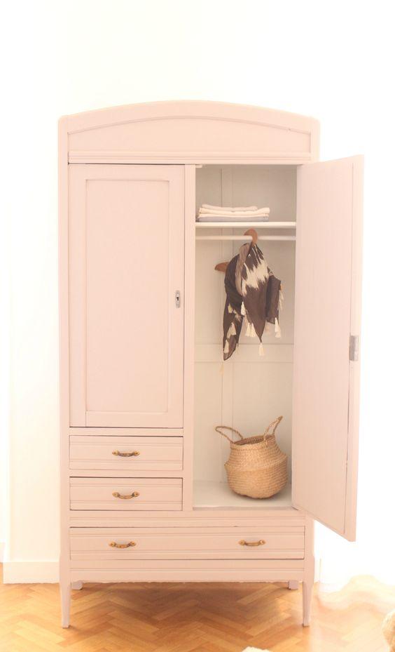 armoire parisienne chambre enfant vieux rose trendy little. Black Bedroom Furniture Sets. Home Design Ideas