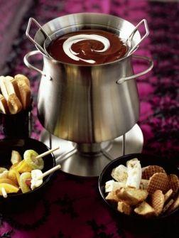 Chocoladefondue met gedroogd fruit - Recepten - Eten - ELLE | ELLE