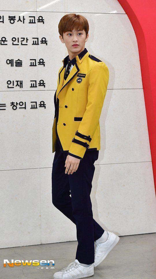 Several Idols Graduate From The School Of Performing Arts Seoul Koogle Tv Gambar Korea Sekolah