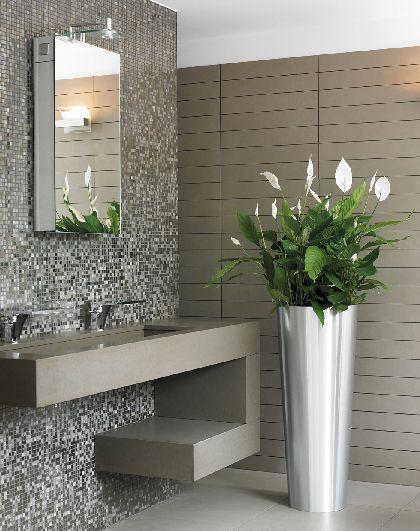 Ook een toiletruimte kun je sfeer en uitstraling geven. Pimp your private room with lovely greens!