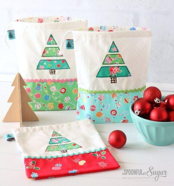 Christmas Treat Bags | A Spoonful of Sugar | Bloglovin'