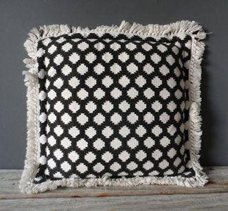 Black & White Pillow!: Pillow Talk, Pillows Inspiration, Black And White, Black White, Pillows Galore, White Pillows, White Pattern, Pillows Baskets And Boxes, Lampshades Pillows