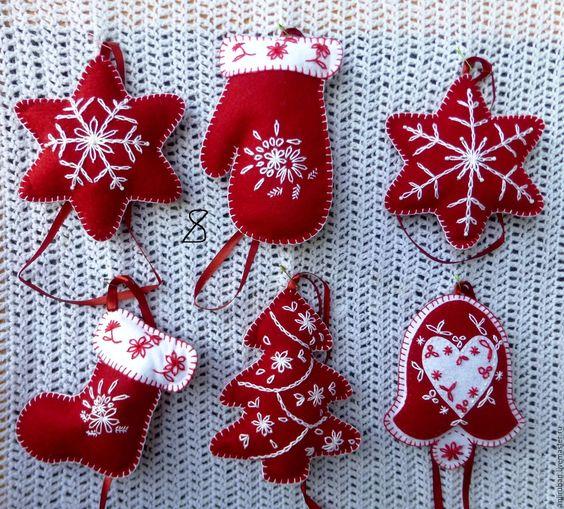 Купить или заказать Новогодние игрушки из фетра в интернет-магазине на Ярмарке…: