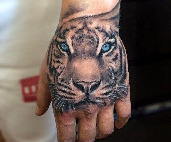 Tatuajes De Tigres En La Mano Punos Tatuados 137 Fotos Tatuagem Na Mao Tatuagem De Mao Tatuagem Na Mao Masculino