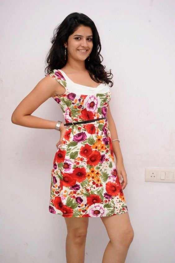 Hot masala pictures | Wallpapers of girls & women