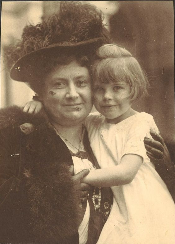 montessori philosophy history Montessori history the montessori method is named after a real person since 1952 montessori philosophy continues to grow and thrive throughout the world.