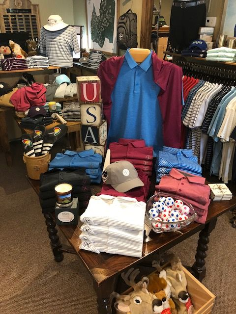 Fall Under Armour Golf Apparel On Display Love The Colors Retail Store Design Golf Outfit Golf Shop