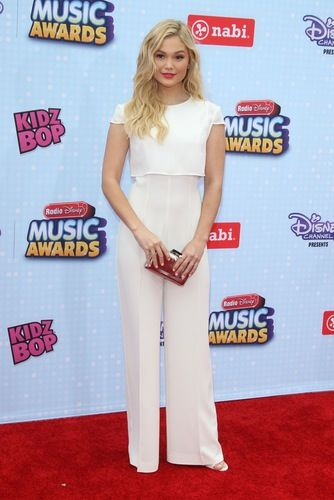 Olivia Holt Red Carpet Report: See the Best Celeb Styles from the 2015 Radio Disney Music Awards