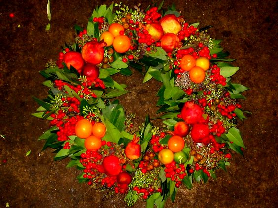 All natural holiday wreath. Etsy Shop SmartBlondes Handmade@Amazon/ Smart Blondes
