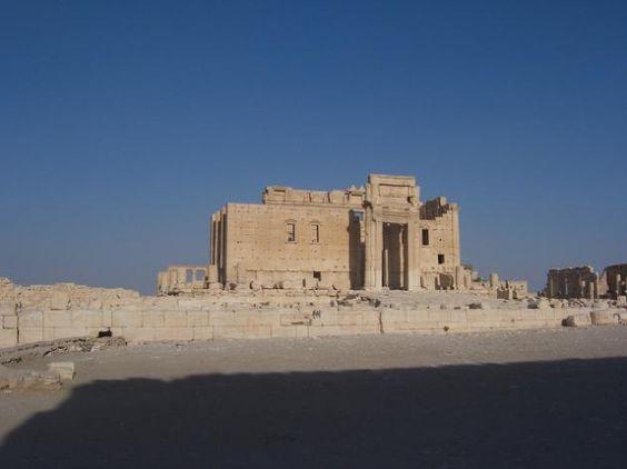 Veja os tesouros arqueológicos que o Estado Islâmico já destruiu - Imagens de Agosto deste ano mostram a destruição do templo de Ball-Shamin in Palmyra