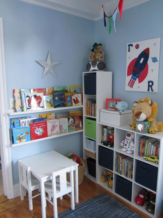 Little b 39 s big boy room bags boys and nooks for Small reading room ideas