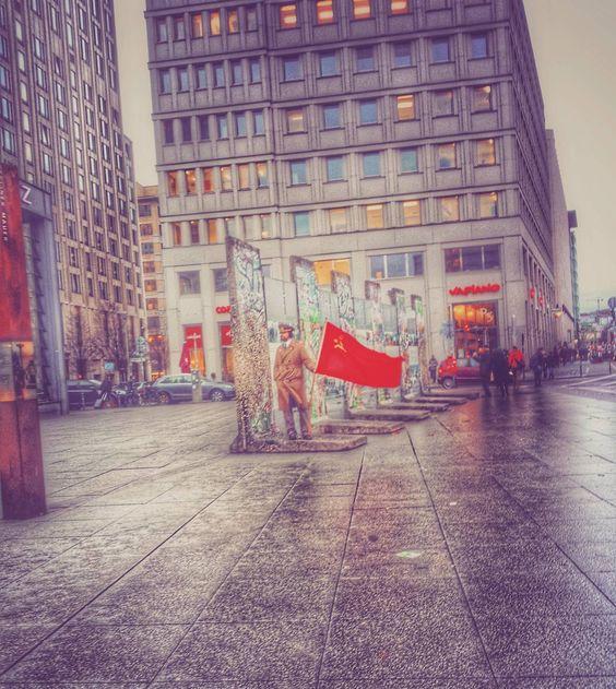 #Germany #Berlin #Deutschland25 #deutschland25xwwim12 #25jahredeutscheeinheit #deutscheeinheit #25years #nowalls #dayofgermanunity #potsdamerplatz #berlinpotsdamerplatz by tedsi369