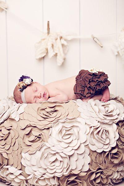 baby: Babygirl, Photo Ideas, Newborn Photo, Baby Girl, Baby Pictures, Baby Photography, Baby Photos, Picture Ideas