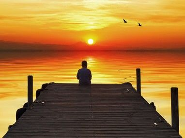 Seelenpartner: Die Trennung schmerzt so unglaublich  Für mich stellte es das größte Glück dar, meinen Seelenpartner zu finden. Doch zugleich war es auch mein größtes Unglück, denn mein Seelenpartner und ich sind räumlich getrennt. Eine Distanz, die die Seele schier zerbrechen lässt.  #vidensus   #Seelenpartner   #Wahrsagen   #Kartenlegen