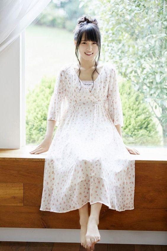 可愛い服の菅井友香