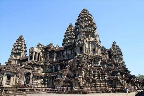 Một khu tháp thuộc Angkor Wat