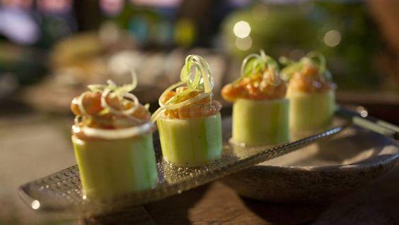 Luxe Garnalensalade In Een Komkommervorm recept | Smulweb.nl