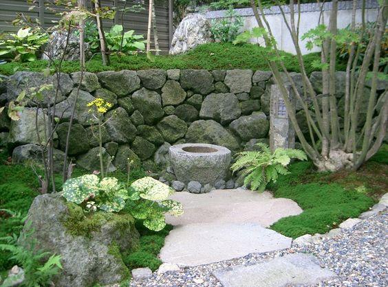宮城県蔵王町・造園、植木のことなら竹鳳園|造園工事施工例|木漏れ日の中の蹲