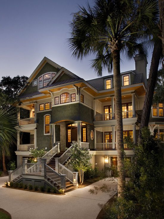omg. i would die happy if i got to stay in this beach house.