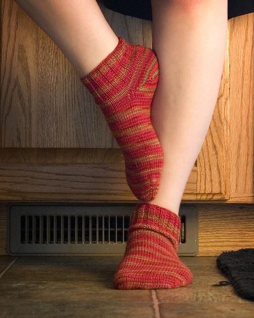 Two toe-up socks on one circular needle Knit Wit Pinterest Libraries, C...