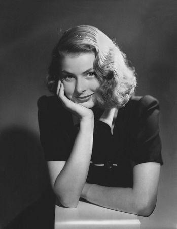 Лучшие высказывания голливудской красавицы 29 августа 2015 года исполняется 100 лет со дня рождения и 33 года со дня смерти голливудской дивы шведского происхождения Ингрид Бергман. Она работала с…