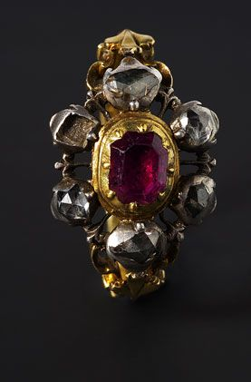 DB Deborah Elvira - Joyas de Epoca  ~  Gold, silver, diamond & ruby ring  ~  Plaza de la Iglesia, 2 ~ Oropesa del Mar (Castellón) Spain