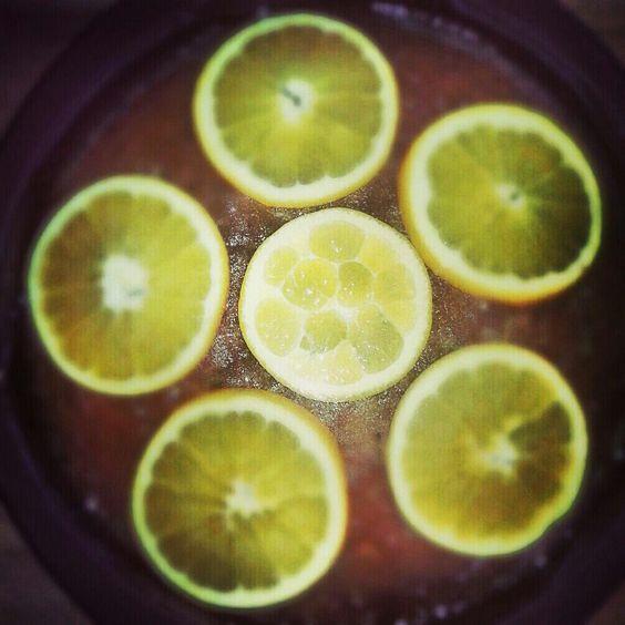 getränkter Orangenkuchen http://vom-windbeutel-verweht.blogspot.de/2012/12/getrankter-orangenkuchen.html