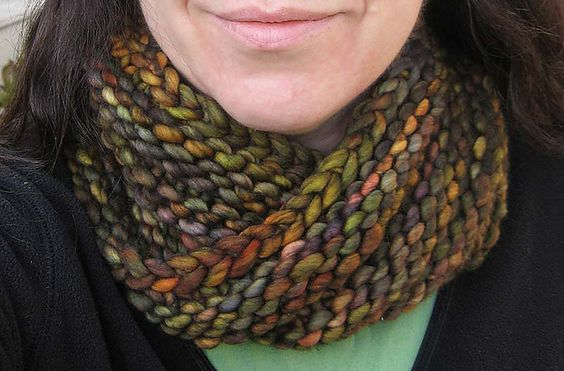 Bulky Mobius Cowl by Haley Waxberg (project photo by eklectika on Ravelry). I...