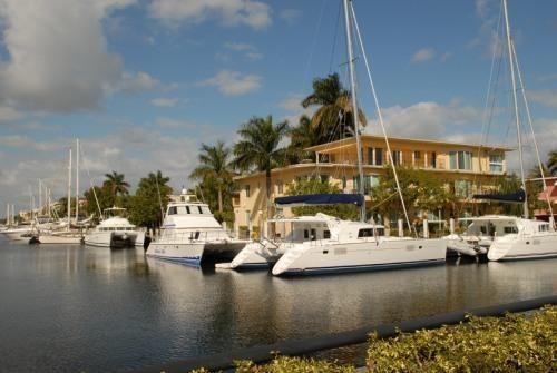 1BR LasOlasBlvd.luxury waterfrontOcean,Beach!: Has Dryer and Balcony - TripAdvisor