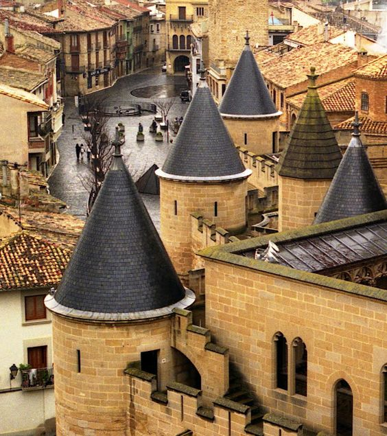 """Castillo de Olite (Palacio Real de Olite) : Olite, Navarre, Spain\\ The Palacio de los Reyes de Navarra de Olite (""""Palace of the Kings of Navarre of Olite"""") or Castillo de Olite (""""Castle of Olite"""") was built during the 13th and 14th centuries in the town of Olite. It was one of the seat of the Court of the Kingdom of Navarre, since the reign of Charles III """"the Noble""""."""