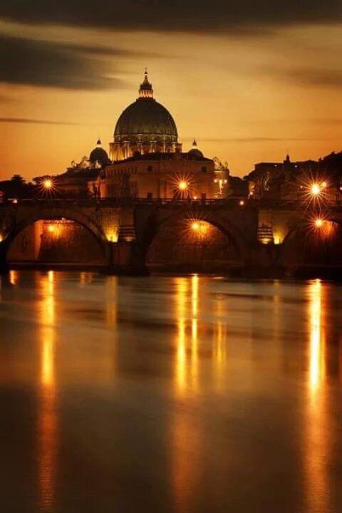 Sai che a Roma... il tramonto è d'oro? Ph. @gigasss1