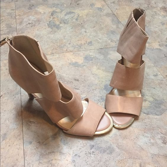 Selling this Jessica Simpson Nude Heels Size 9 in my Poshmark closet! My username is: newills37. #shopmycloset #poshmark #fashion #shopping #style #forsale #Jessica Simpson #Shoes
