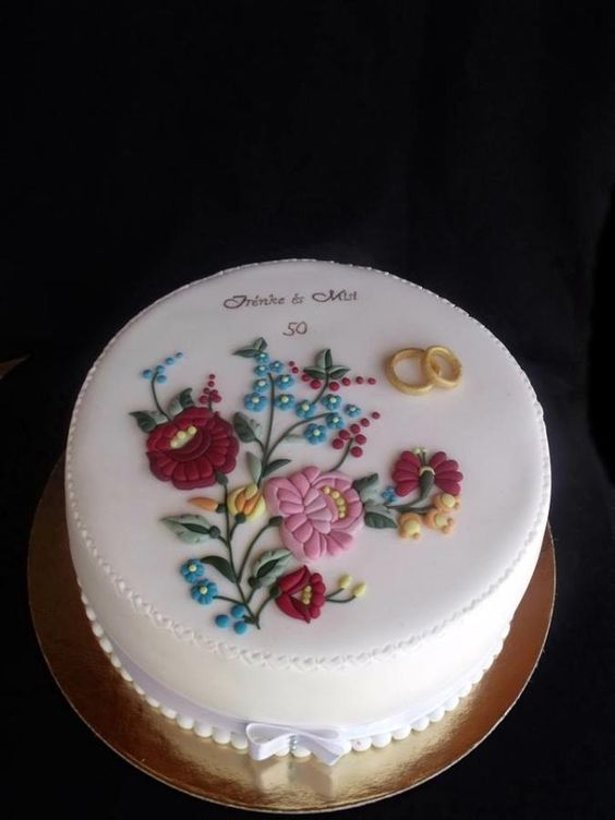 Hungarian embroidery cake - Cake by Anfema