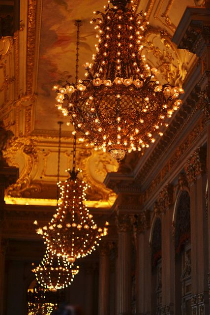 ✕ Beautiful to say the least! / #chandeliers #interior #painting