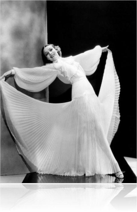 Portrait of Dolores del Rio in Caliente directed by Lloyd Bacon, 1935