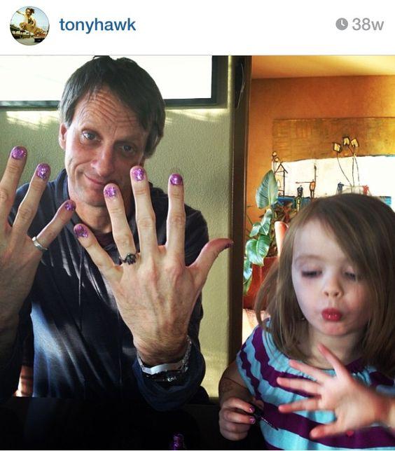 Real men paint their nails | Baby Vaden | Pinterest | Uñas pintadas ...