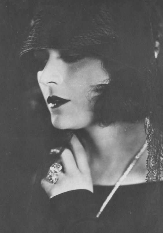 lunawoman:  Pola Negri silent film star 1920's source etsy