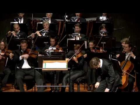▶ Comedy meets the Symphony Orchestra! - YouTube