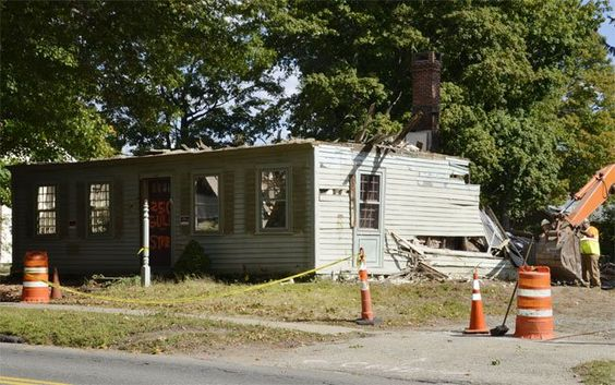 Preservationists look at new ordinance to keep historic homes from being razed | #milfordmirror | #historic #preservation #laws #ordinances #cities #milford #connecticut