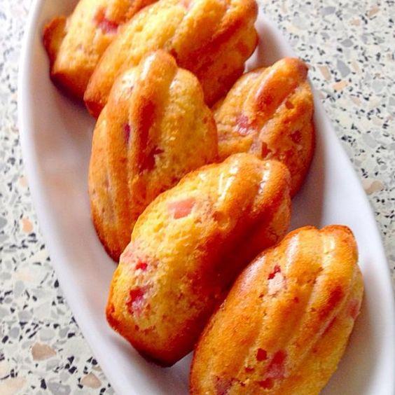 パンをつ作った時残ったサツマイモや煮リンゴが残っていたので、マドレーヌにしてみました〜 うま〜(((o(*゚▽゚*)o))) - 59件のもぐもぐ - リンゴとサツマイモのマドレーヌ by びっけ