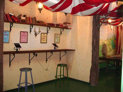 Decoracion De Cafeterias Peque As Buscar Con Google