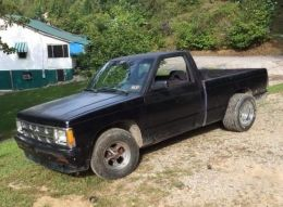 1991 Chevrolet S-10 Bagged and Shaved by swims350 http://www.chevybuilds.net/1991-chevrolet-s-10-bagged-and-shaved-build-by-swims350