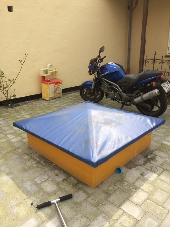 how to build sandbox with roof cover